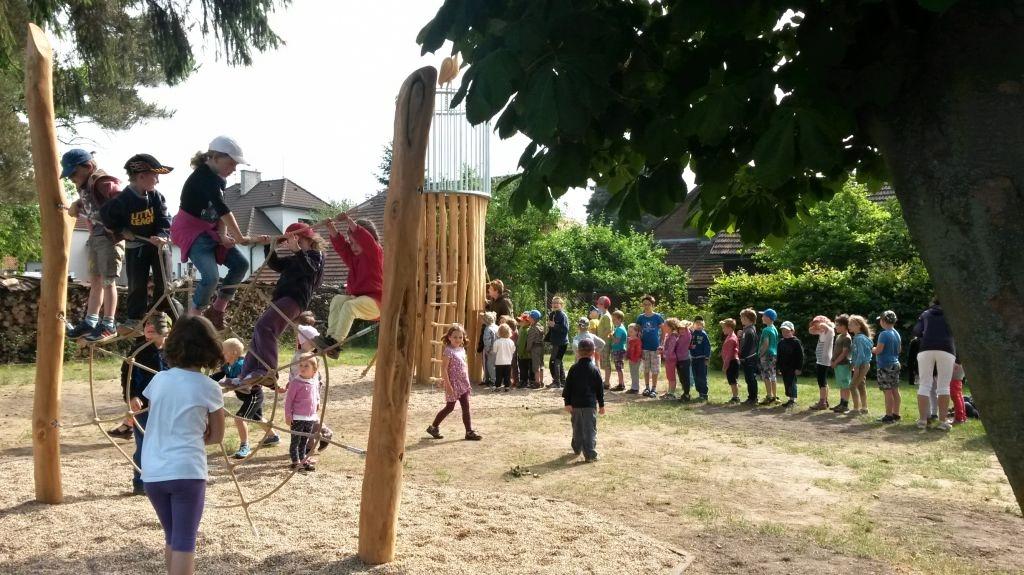 2016 - Přírodní školní hřiště